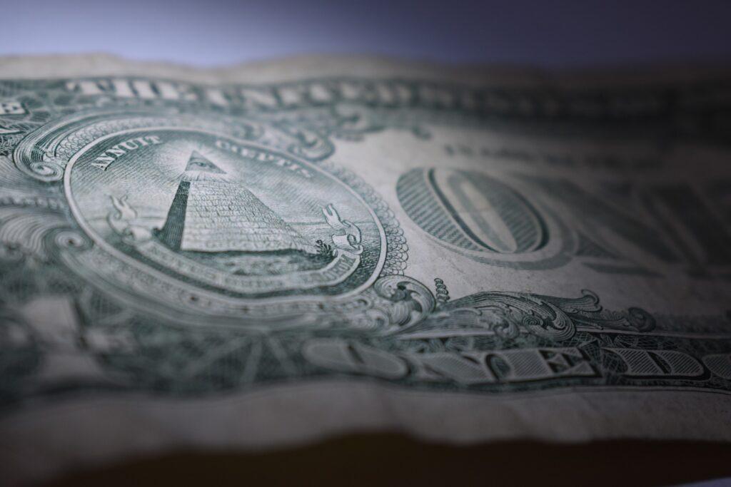 1 Dollarnote mit Pyramide
